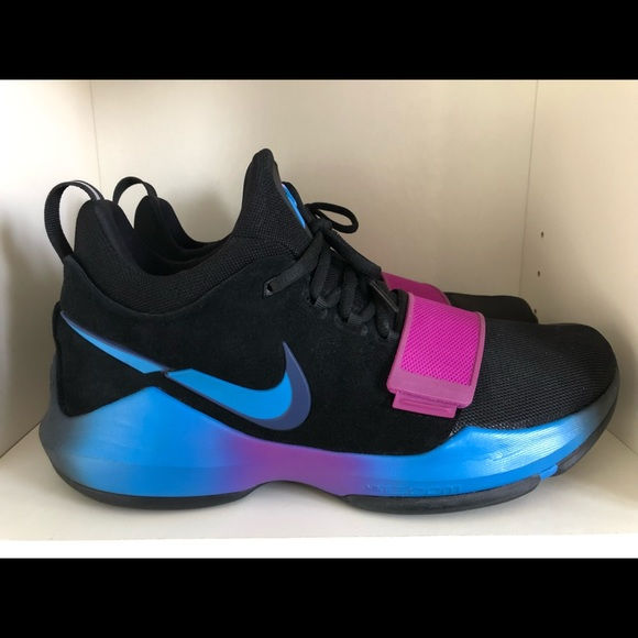quality design 35143 81f76 Nike PG1 Flip The Switch